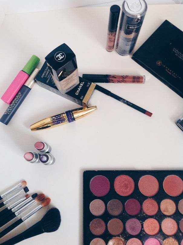 Makeup Asetheic, Makeup Photography, Makeup Essentials Flatlay
